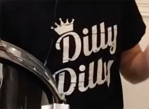 DILLY DILLY online concert
