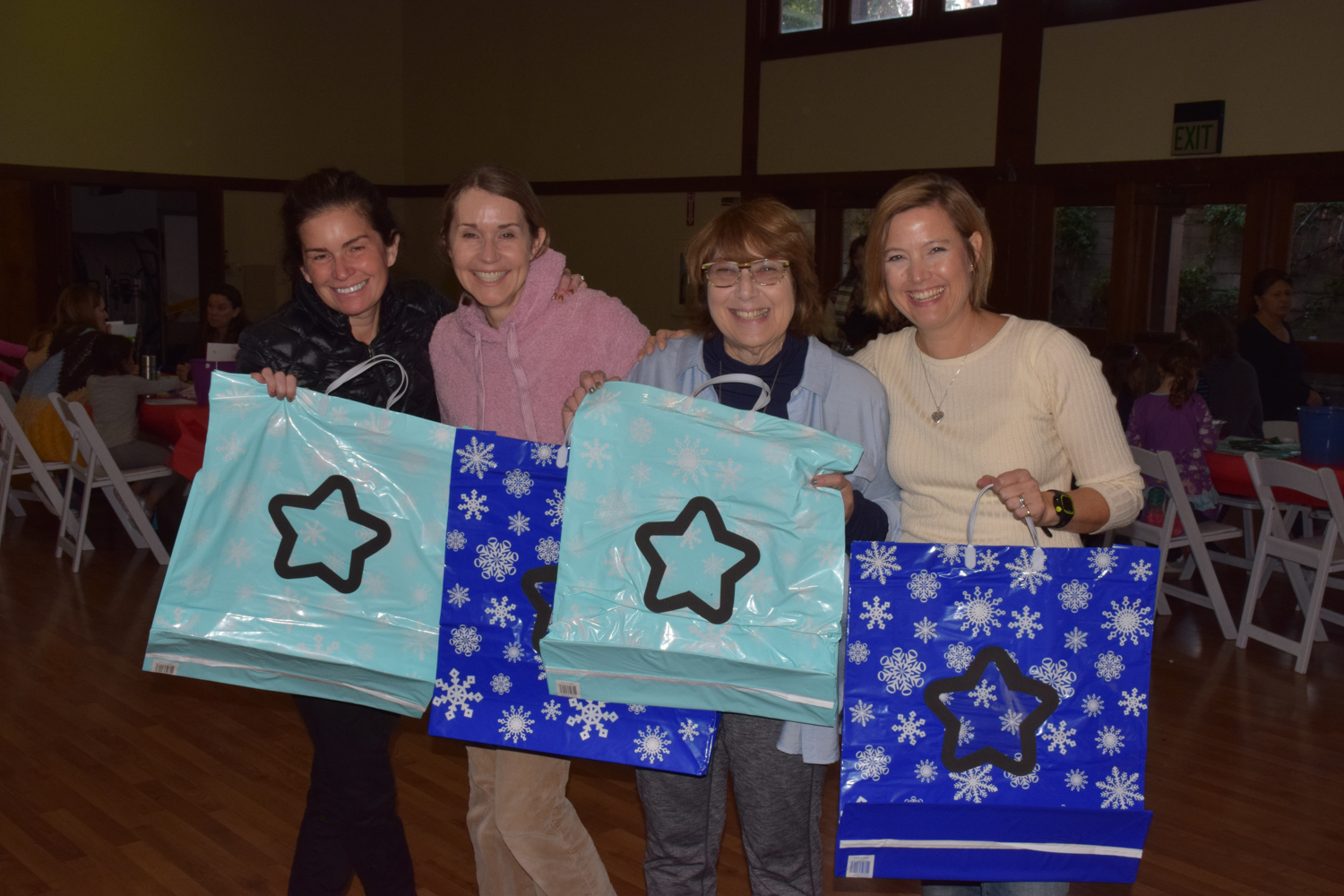 Photo: Holiday Workshop Committee