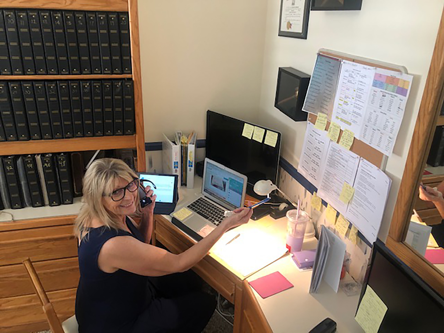 Ms. Bachrach (K) uses her home office.